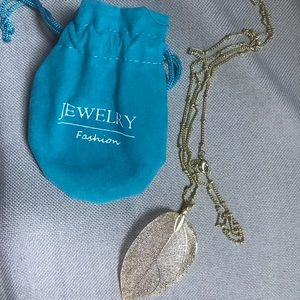 """Jewelry - Costume Jewerly Leaf Print Gold Color 14"""" Necklace"""